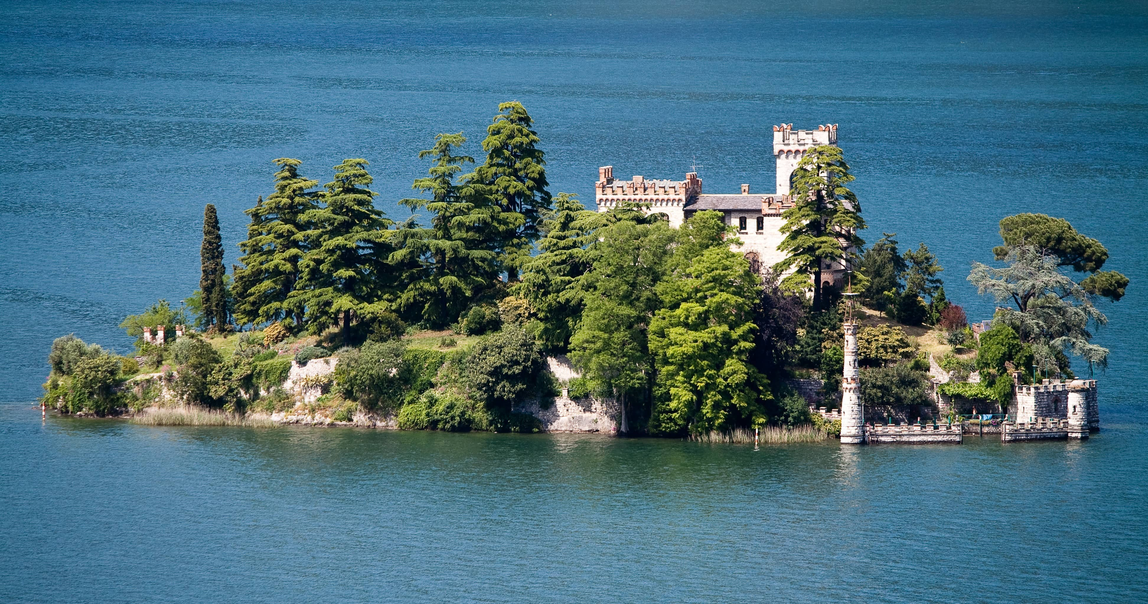 7 Heavenly Islands of Italy