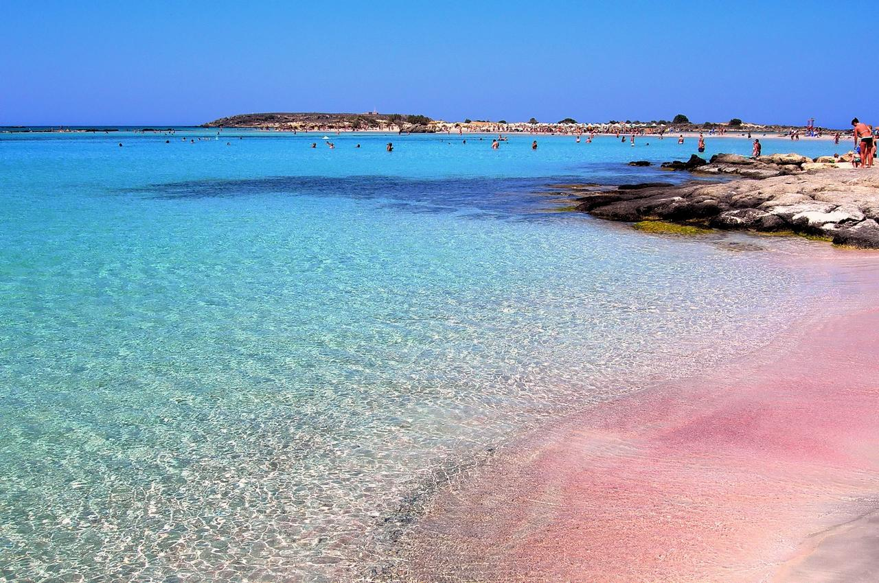 The Pink Beach of Italy: Whose it is anyway? - BenvenutoLimos