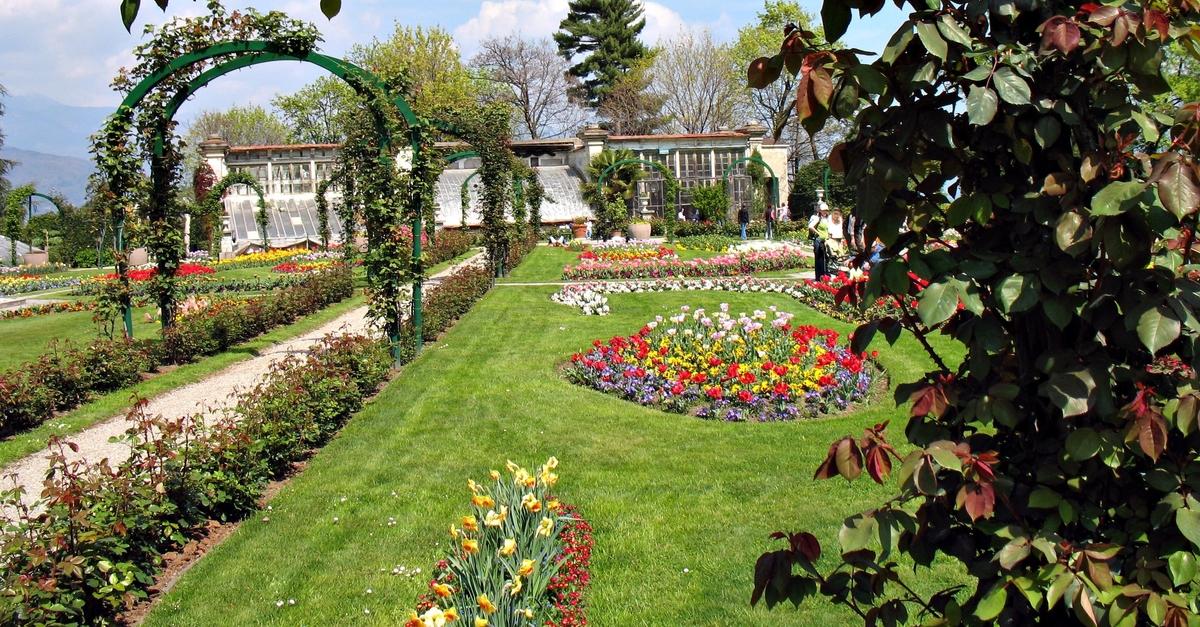 Gardens - Spring Season in Italy