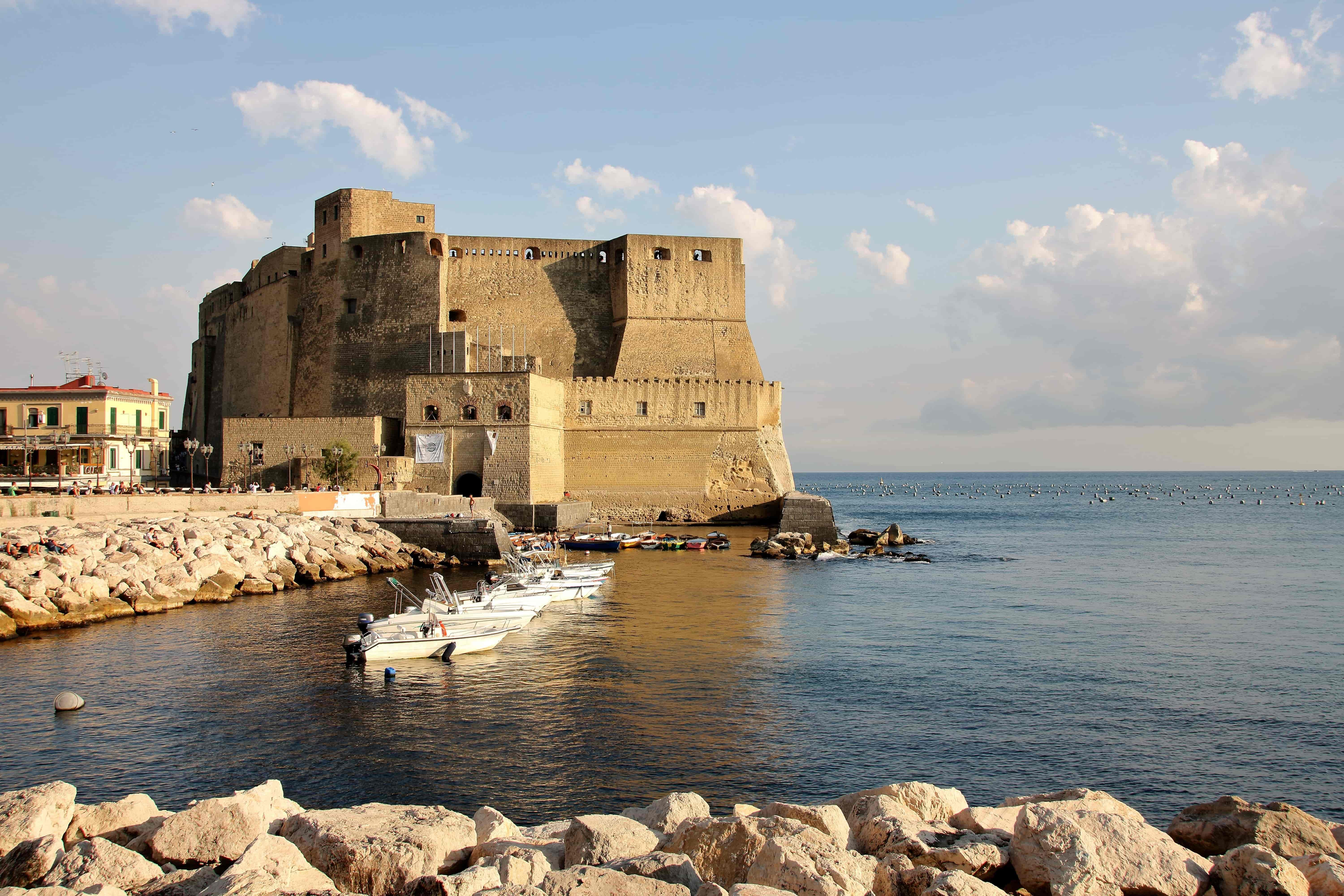 Castel dell'Ovo - Best Castles in Italy