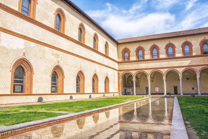 Casa Dal Verme courtyard in Milan