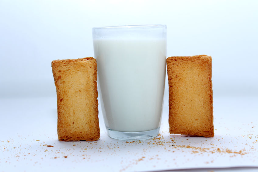 Rusks with milk