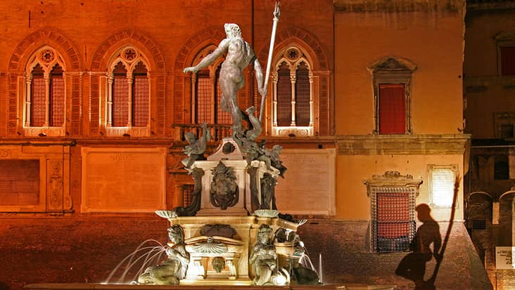 images/tours/cities/bologna-nettuno-fountain.jpg