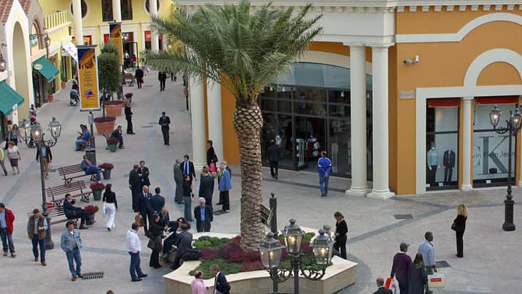 Shopping at the Designer Outlet Tour Starting from Rome - ROHD6