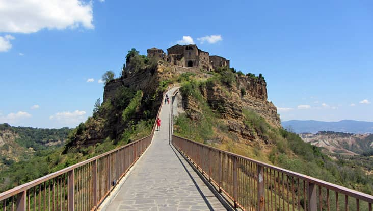images/tours/cities/civita_di_bagnoregio2.jpg