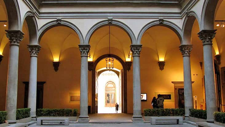 images/tours/cities/florence-palazzo-strozzi-courtyard.jpg