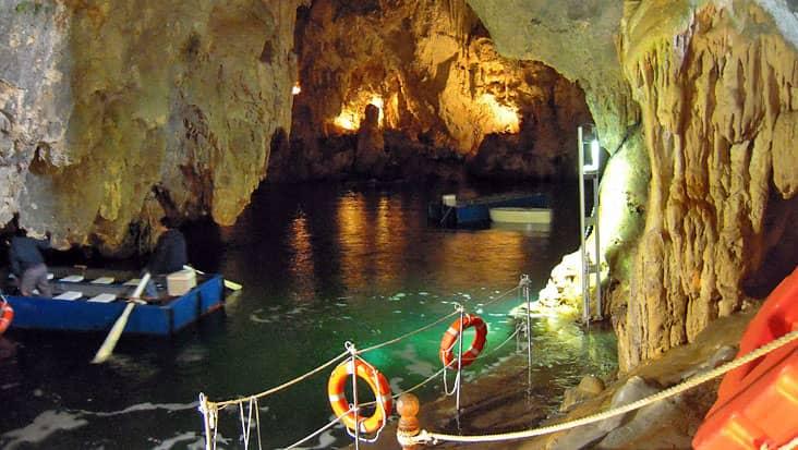 images/tours/cities/grottadellosmeraldo2.jpg