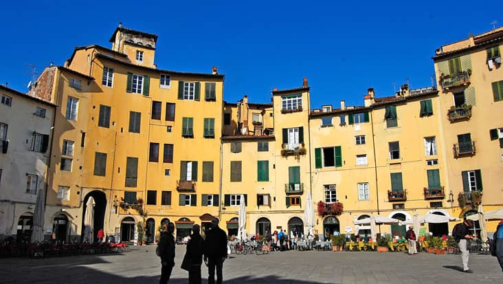 images/tours/cities/lucca1.jpg