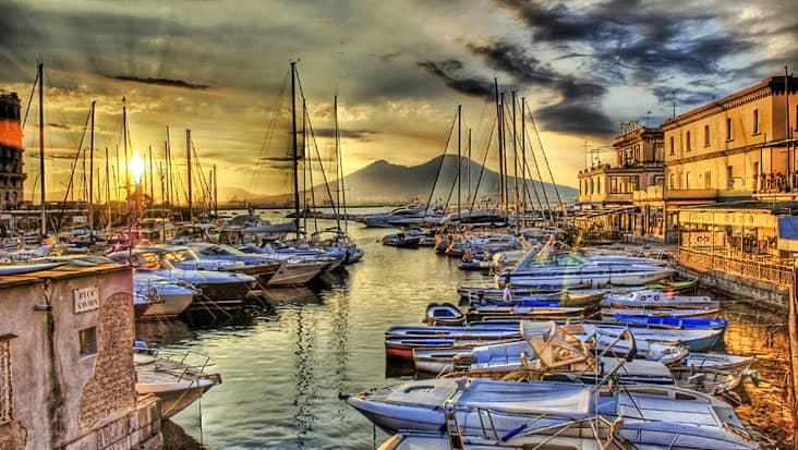 Borgo Marinaro in Naples