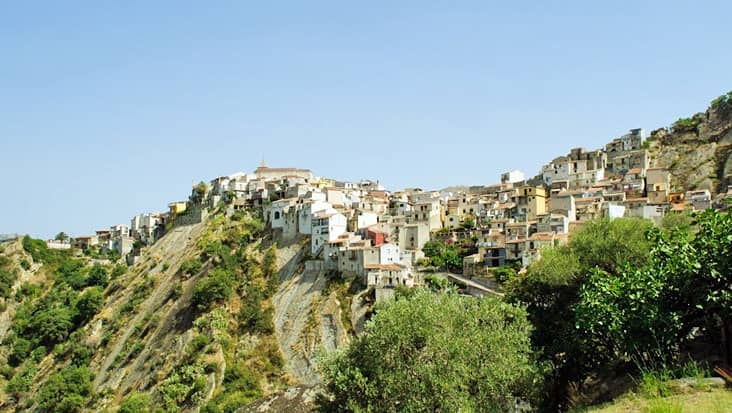 images/tours/cities/santo-stefano-di-camastra.jpg